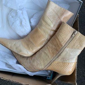 Beige snake boots